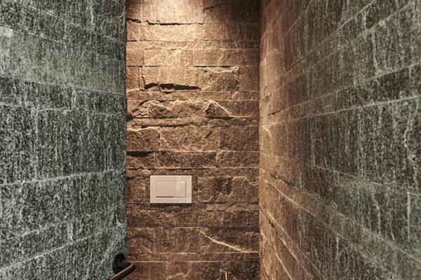 Fliesen Jams - Gäste WC, modern, dunkelgraue Platten, modern, design, weisses Klo